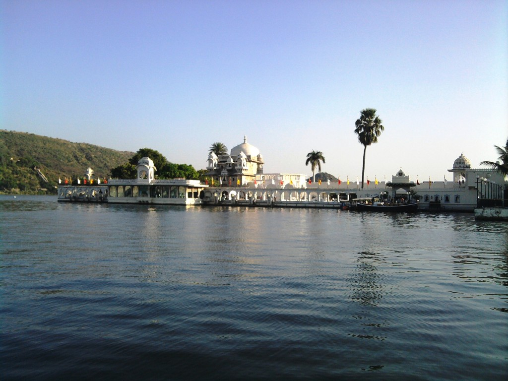places to visit udaipur