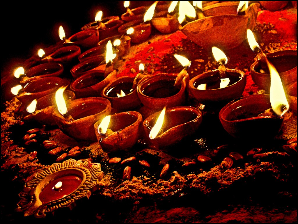 five days of diwali festival Deepavali or diwali is mainly the biggest and the brightest of all hindu festival it is the festival of lights that's marked by five days of celebration which literally illuminates entire country with its brilliance as well as dazzle all with its joy and happiness.