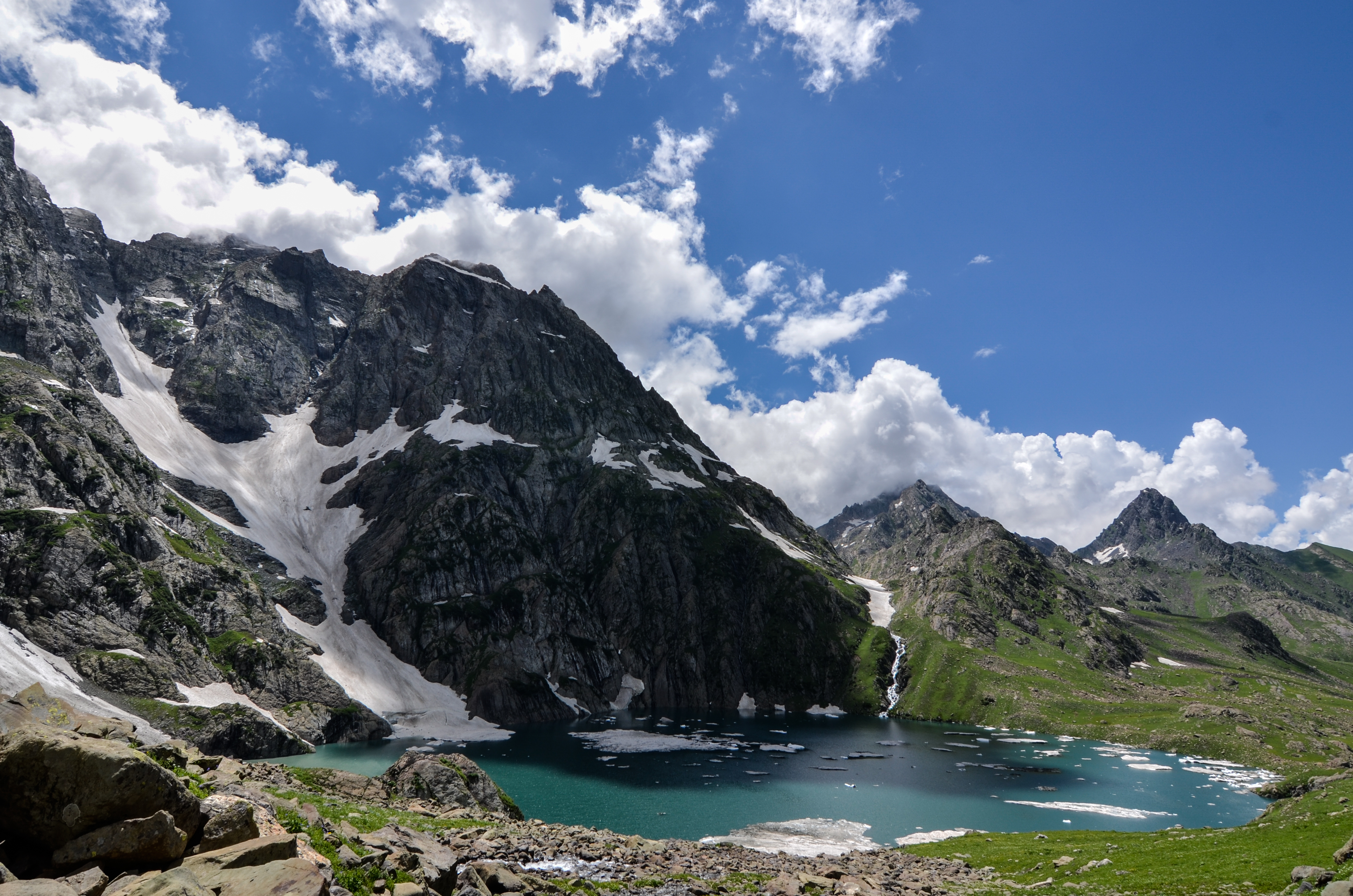 8 Hidden Lakes In India Will Surely Leave You Enchanted!