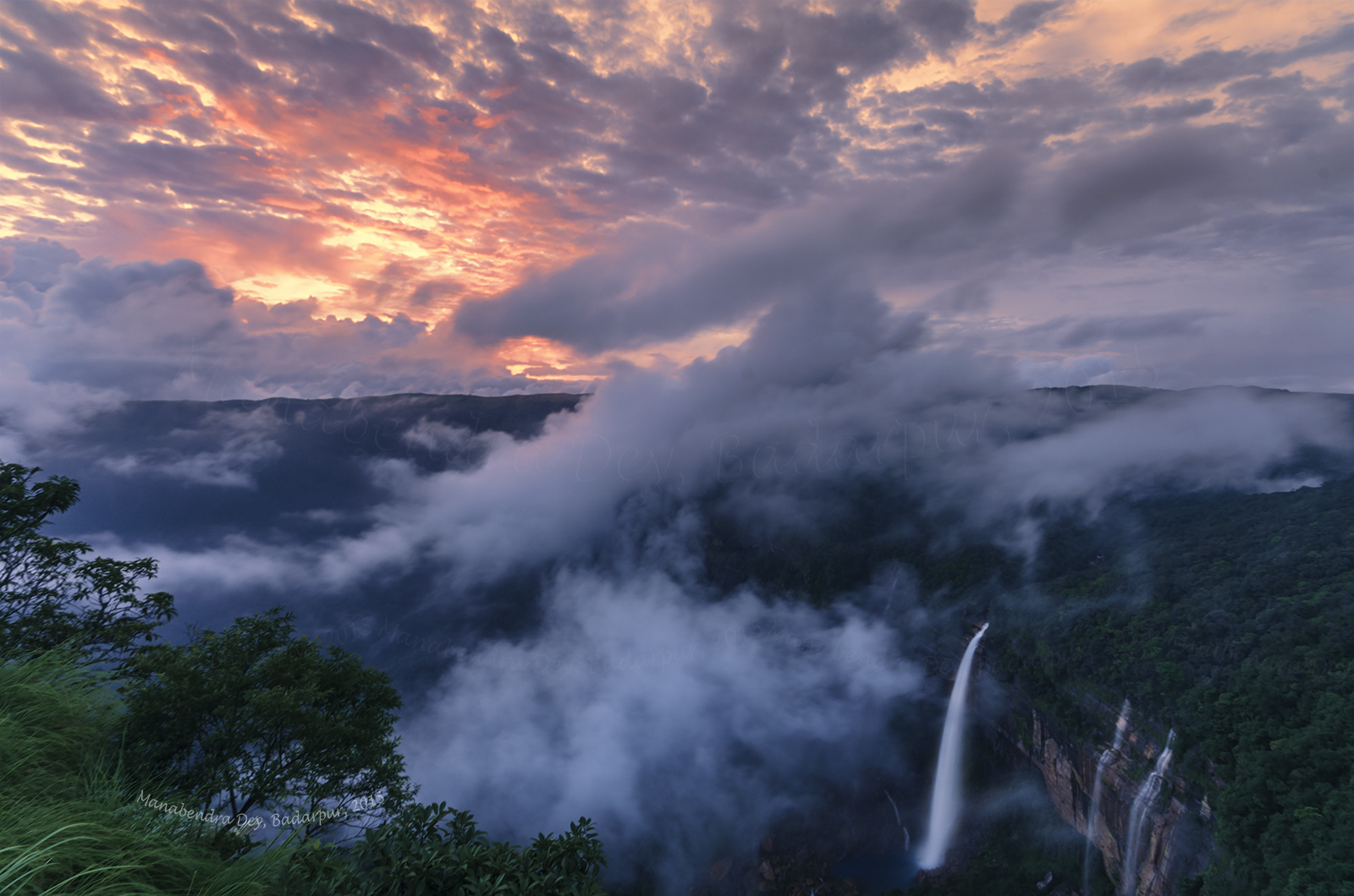 7 Stunning Waterfalls In India Which Are Right Out Of A Harry Potter Novel