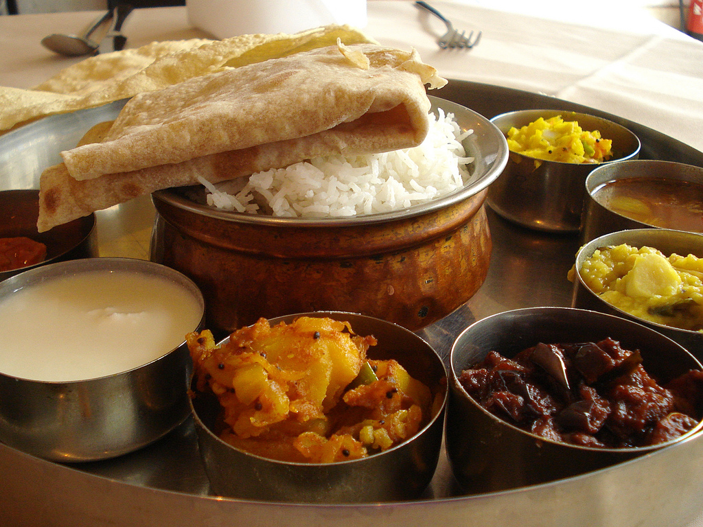 5 Most Famous Indian Thalis Offering A Scrumptious Meal!